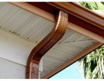 Copper seamless gutter